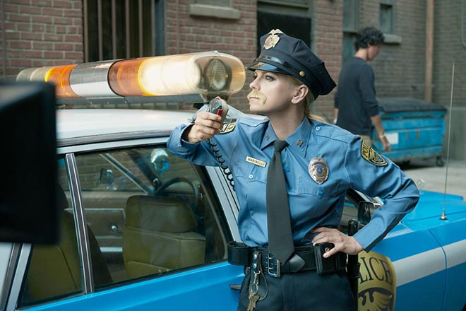 Anna Faris as cop in Air New Zealand Safety in Hollywood